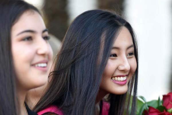 美国2015玫瑰公主出炉 17岁华裔女孩刘瑞麒入选