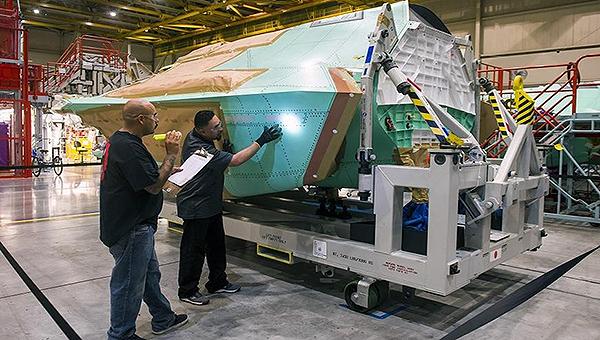 日本即将接收首个F-35战机分段