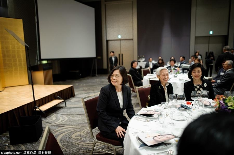 0月6日,日本东京,民进党主席、2016参选人蔡英文六号展开日本