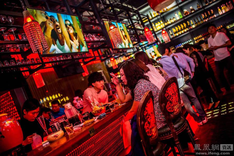 青岛:酒吧夜生活
