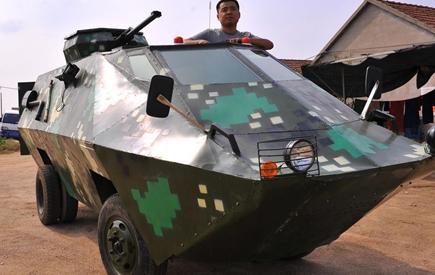 老兵痴迷装甲车 退役后自费3万打造酷炫战车