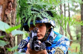 陆战队妹子们训练头上长草