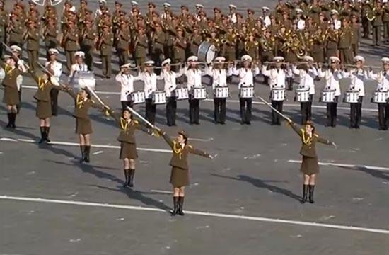朝鲜大阅兵各兵种女兵抢眼
