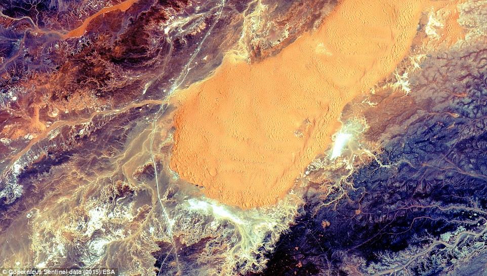 卫星拍地球风景地貌