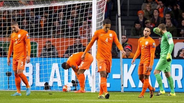 欧预赛-荷兰2-3负捷克出局 范佩西101战50球