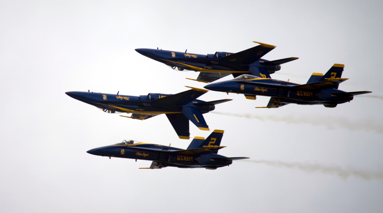 眼见为实!美军飞行表演队特技动作不是吹的