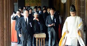 """日本投降70周年 """"安倍谈话""""中写入道歉"""