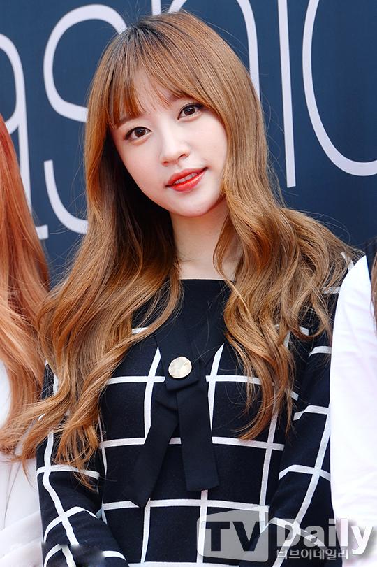 韩女团EXID走秀穿衬衫白图片a衬衫亮相性感于莎莎性感图片