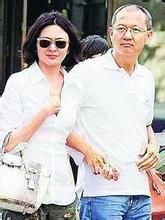 关之琳被曝搬出富豪男友家 两人感情出现危机
