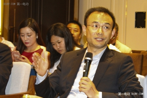 郑刚:看互联网造车就像看小明同志的婚礼