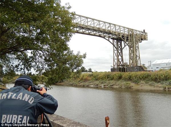 日摄影师两次远赴英国拍摄古老沃灵顿运输桥