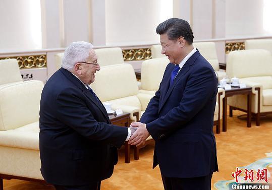习近平在北京会见基辛格