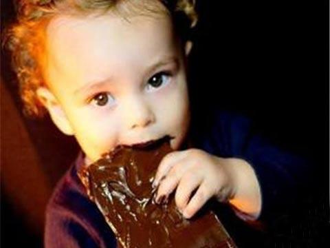 巴西1岁幼童将毒蛇当成玩具 将蛇活活咬死