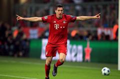 欧冠-穆勒2球拜仁5-1阿森纳 枪手晋级只能靠命