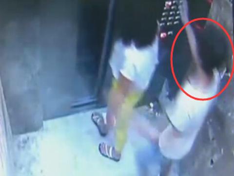 安康:电梯内突遇劫匪  女子巧妙周旋脱险