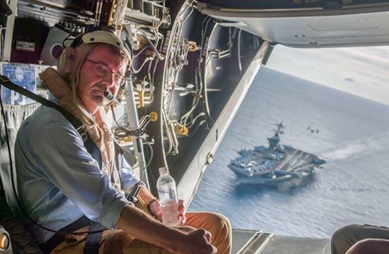 美国防长在南海登上核航母