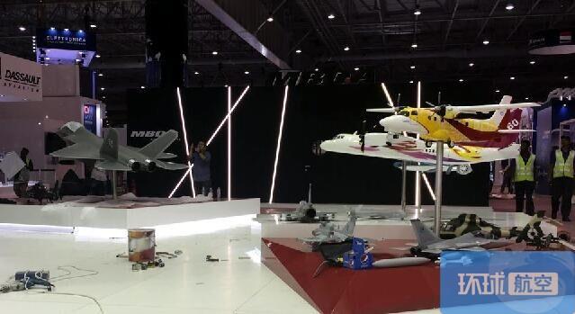 迪拜航展开幕 鹘鹰战机和直19E亮相世界舞台(图)