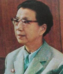 毛泽东刚去世江青就召集大家去公园摘苹果