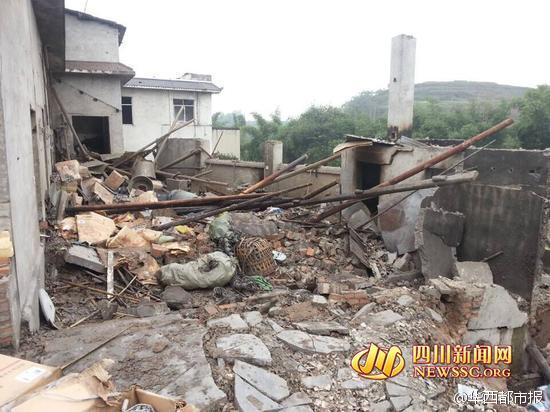 四川长宁县一鞭炮作坊爆炸 致2死3伤
