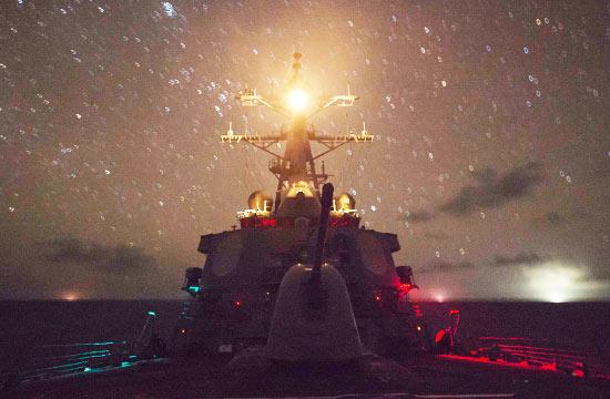 美军多艘先进战舰在南海徘徊