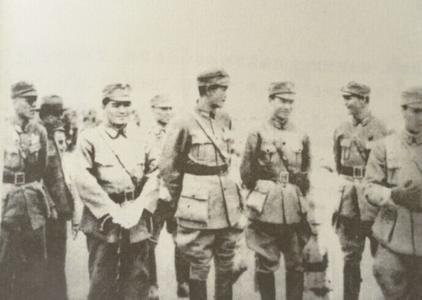 哪位爱国名将五年间两次率大军在上海血战日军
