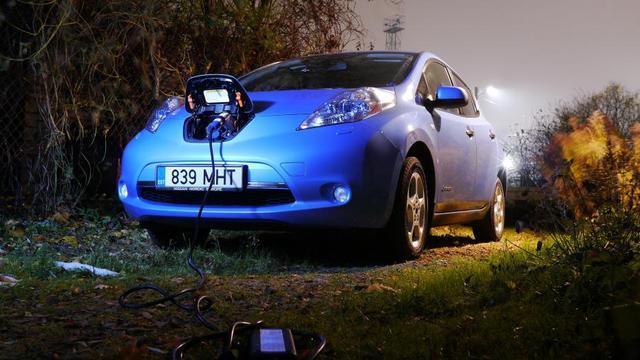 日产开发电动汽车无线充电技术 无需动手
