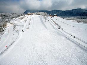 成都西岭雪山滑雪场