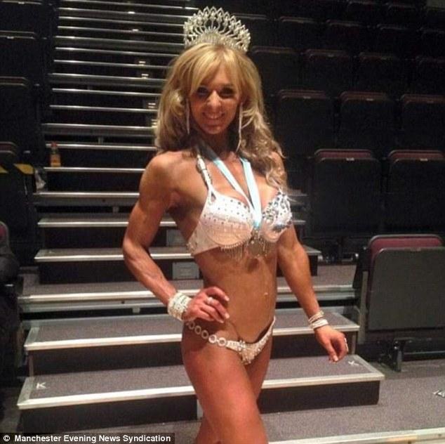 英三胞胎母亲成功晋级世界健身模特大赛