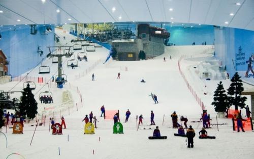 冰火两重天!来迪拜感受全球最大室内滑雪场
