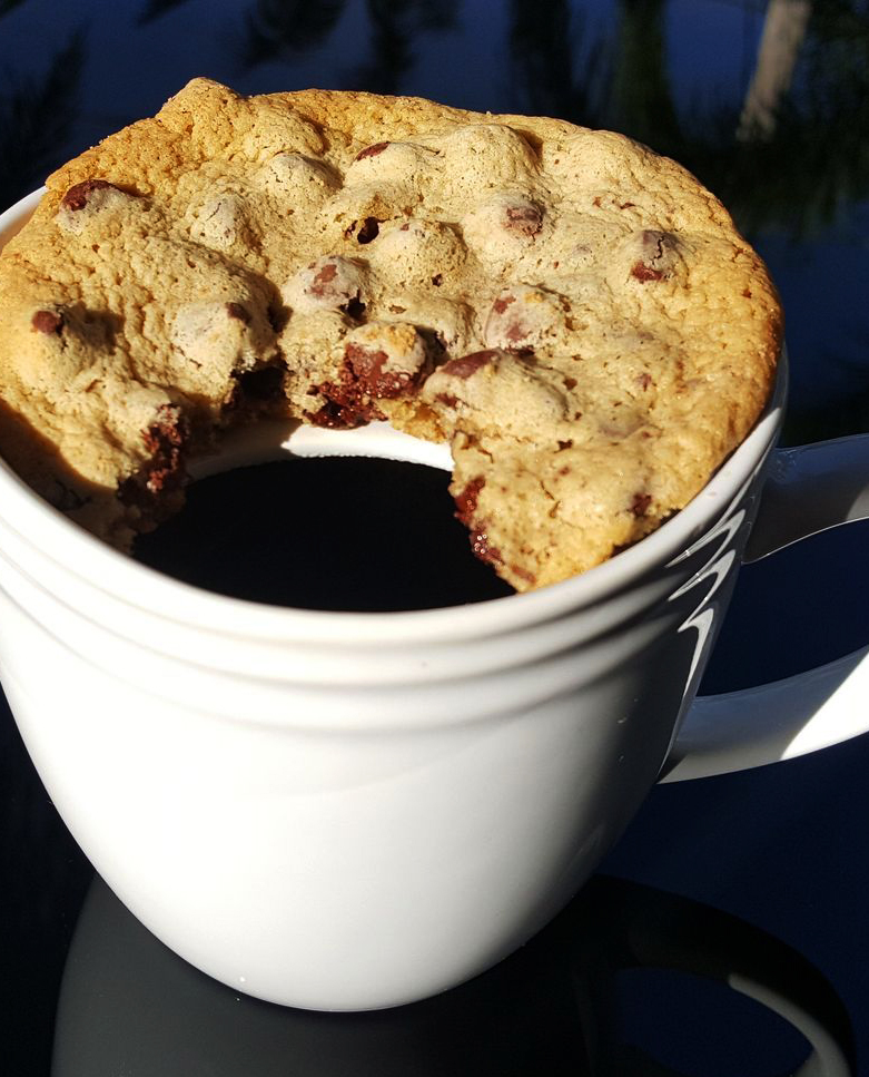 保温咖啡的同时也要加热甜甜圈!