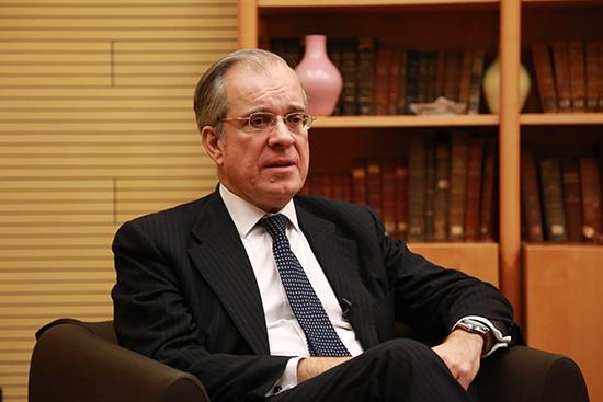 法国驻华大使:感谢中国政府和人民对法国人民的支持