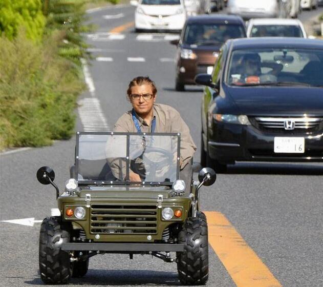 """日本名古屋电子零件厂商推出""""迷你吉普车"""""""