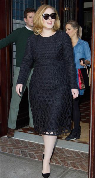 Adele阿黛尔及众星 共同演绎Burberry万众风情