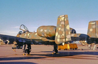 迷彩涂装A-10攻击机不多见
