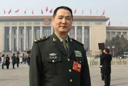 王洪光:原南京军区副司令员、中将
