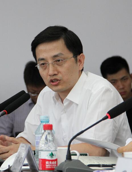 冯钺  中国社会科学院政治学研究所信息资料室主任
