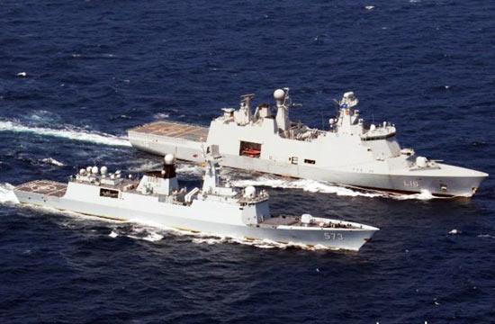 中国丹麦隐身舰在亚丁湾合练