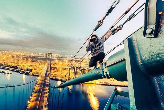 美20岁小伙挑战极限 高空俯拍美景