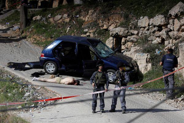 巴勒斯坦男子开车撞伤5名以色列士兵后被击毙