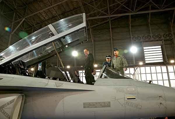 """菲总统同意""""下血本""""购买武器 欲加强南海军事力量"""