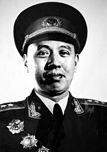 """哪位开国上将长征时被称赞为""""铁屁股""""?"""