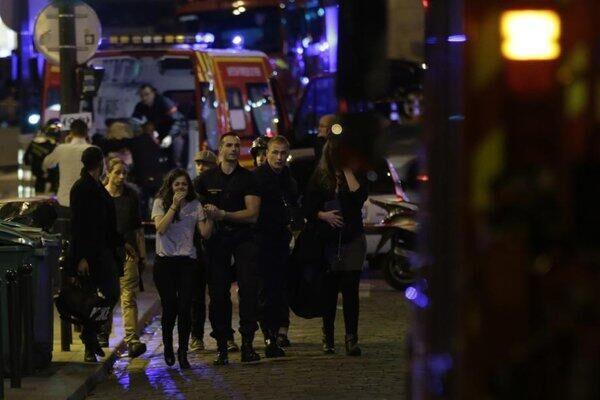 巴黎发生多起恐袭事件