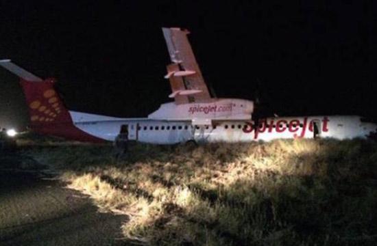 印度客机降落撞上野猪冲出跑道