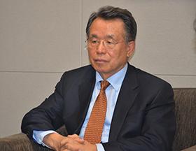 记者团采访韩国前总理韩升洙