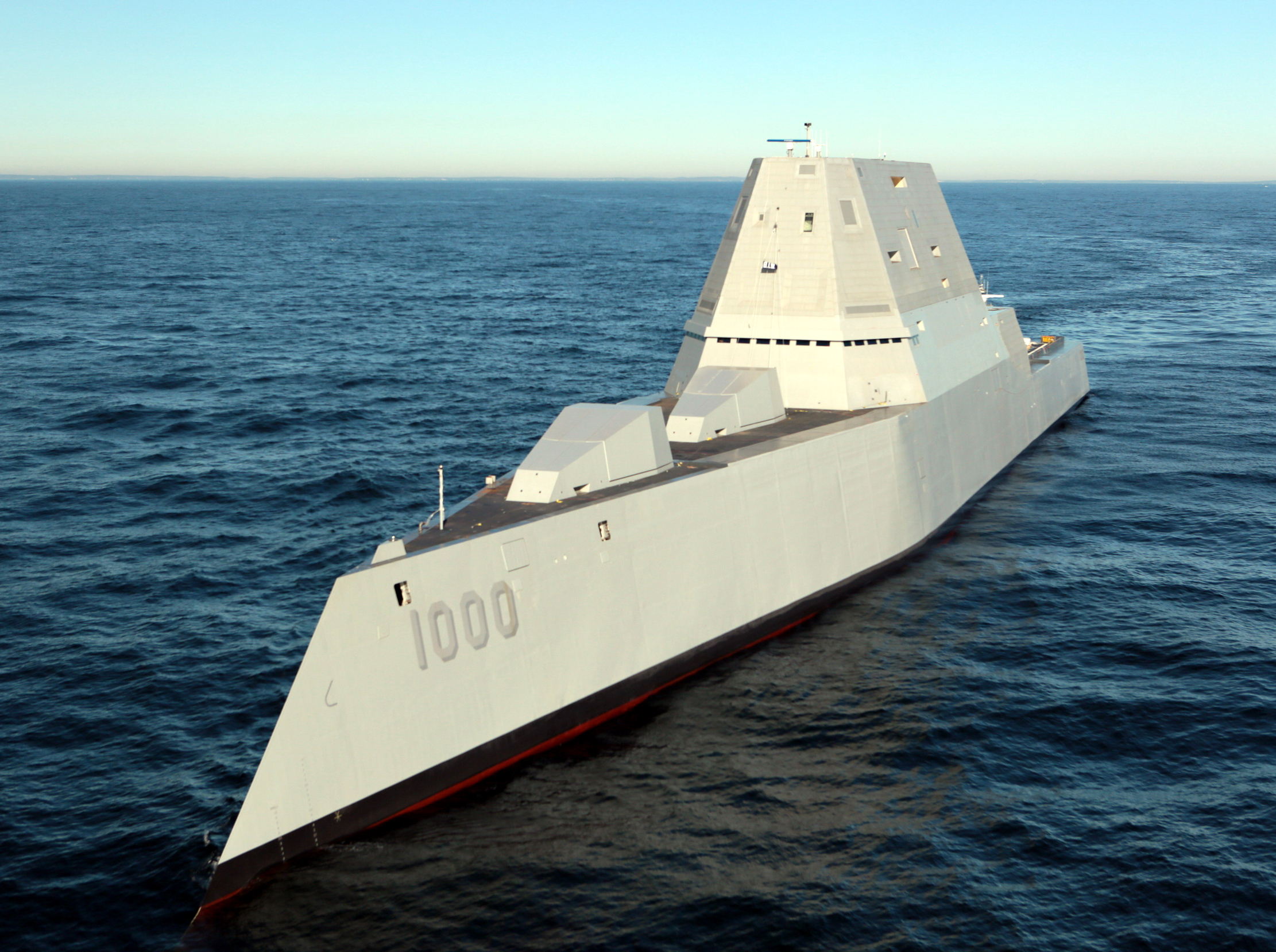 美国海军ddg-1000朱姆沃尔特级超级战舰