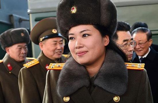 朝鲜合唱团和牡丹峰乐团抵京