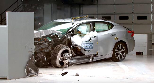 日系德系如何称霸最安全车型 正面防撞技术加分