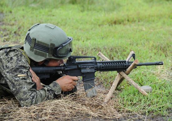 M4卡宾枪受欢迎有四大奥秘 口径大小一直争议