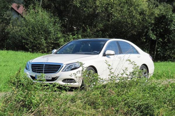 奔驰高管:短期内不大规模生产纯电动汽车