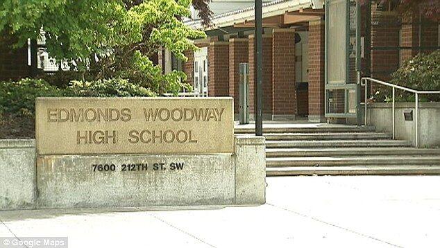 美国两高中生威胁要绞死黑人同学被逮捕